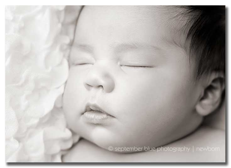 Newborn-baby-closeup